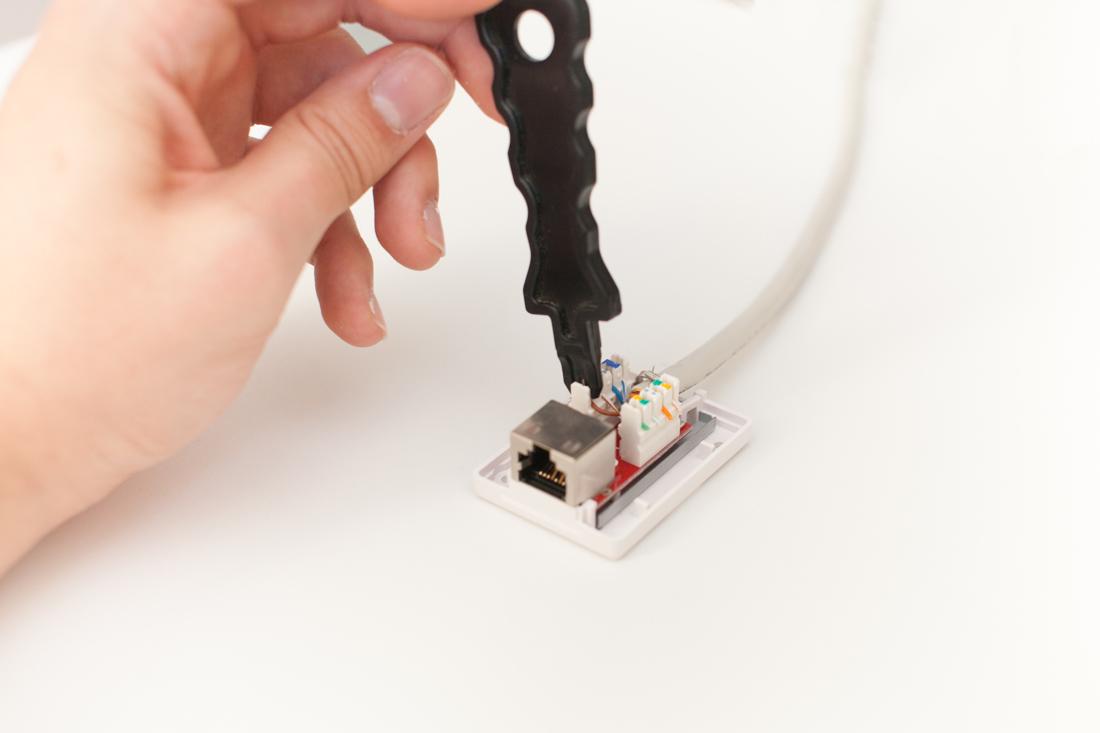 Comment sertir un cable rj45 ?