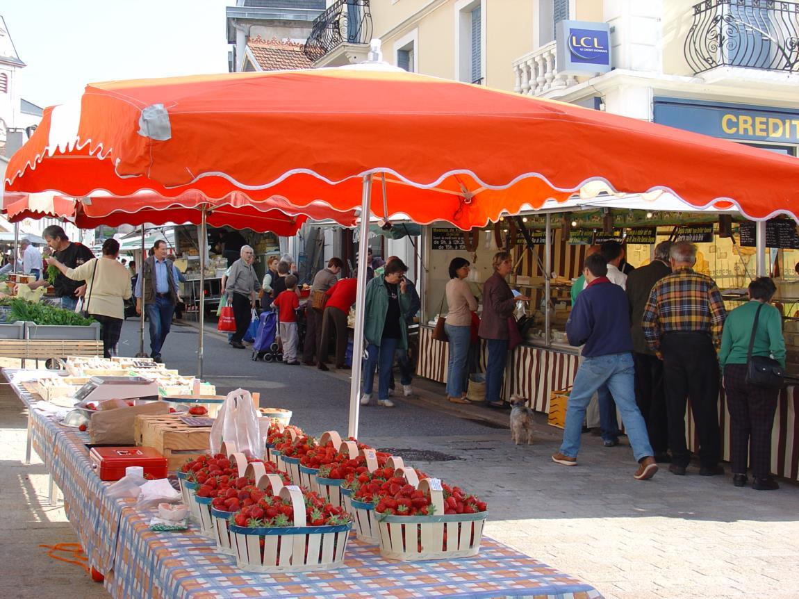 Vendre sur les marchés : comment bien choisir votre stand ?